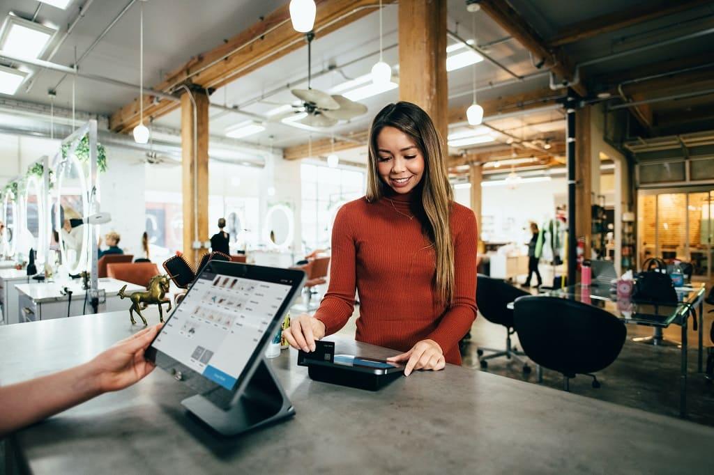 GALGUS - Cómo contribuye una red WiFi inteligente al sector retail